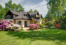 Elegant Villa in The Beaches With a Beautifully Landscaped Garden